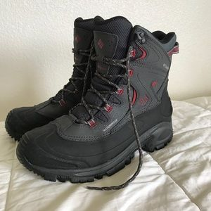 Columbia Men's Bugaboot Snowboot- worn once!